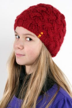 RED X-PATTERN SHORT BEANIE