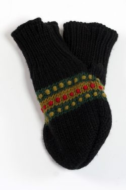 BLACK GREEN STEP LOVE MITTENS